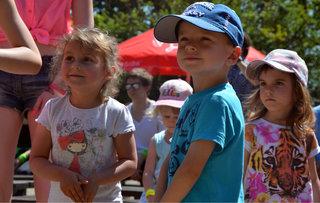 Dospělí baví děti aneb Dětský den v zoo